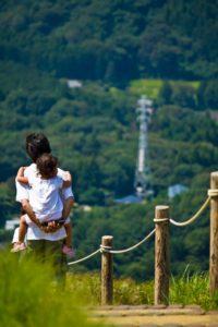 保険1_kodomowoseouoyakotoyama-thumb-autox2000-13082