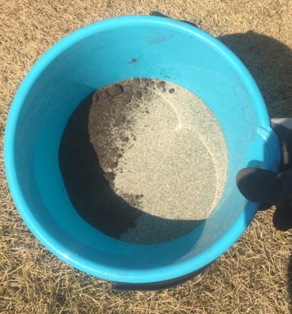 芝生の手入れ 目土と目砂 おすすめ商品と方法
